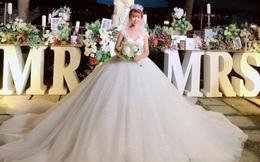 """Khởi My """"hóa"""" công chúa khi diện váy cưới hoành tráng"""