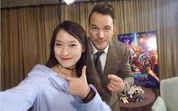 """""""Cô nàng 7 thứ tiếng"""" Khánh Vy khoe ảnh selfie cùng nam chính Vệ Binh Dải Ngân Hà 2"""