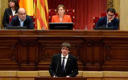 Catalonia chính thức hoãn tuyên bố độc lập, mở đường đối thoại với chính phủ Tây Ban Nha