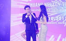 Vừa chia tay Bảo Anh, Hồ Quang Hiếu đã được người đẹp Hà Thành dành cử chỉ thân mật