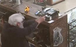 Đi ăn cướp bất thành, kẻ tấn công xấu số còn bị chủ cửa hàng bắn chết tại chỗ