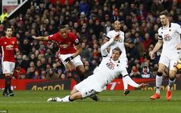 """Khen học trò """"phi thường, tuyệt vời"""", Mourinho không quên đá xéo đội bóng cũ"""