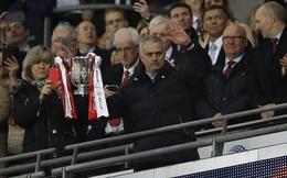 Giành cúp, Mourinho san bằng kỷ lục của Sir Alex Ferguson