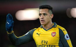 """Alexis Sanchez chính thức chia tay Arsenal sau """"trò lố"""" của Wenger tại Anfield"""
