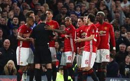 Thẻ đỏ cho Herrera thôi chưa đủ, FA bổ sung thêm án phạt với Man United