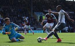 Phát pháo của Martial và nỗi thấp thỏm trong lòng Mourinho