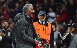 Từ Premier League đến Europa League: Mourinho quá kém, Man United quá mong manh!