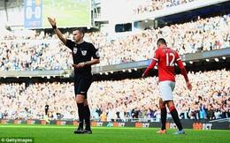 """Quyền sinh sát tại derby Manchester được trao vào tay """"hung thần"""" của Man United"""