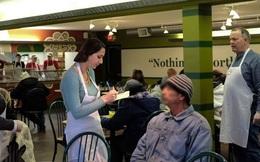 Chủ động bắt chuyện với người lạ, bà mẹ đơn thân chết lặng với lời nhắn sau cuối
