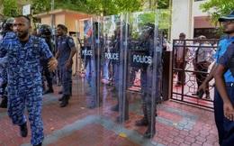 Thiên đường Maldives: Tổng thống cho quân đội phong tỏa quốc hội, trấn áp nghị sĩ