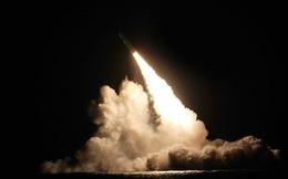 Tàu ngầm Mỹ phóng thử hai quả tên lửa Trident II