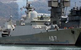 """Tàu Rolldock Star sát cánh cùng Hải quân Việt Nam: """"Kỷ lục"""" gì đã được tạo ra?"""