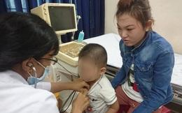 Siêu âm, chụp X quang cho các bé bị bảo mẫu hành hạ ở Sài Gòn