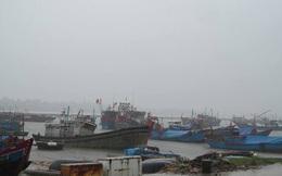 Các tỉnh miền Trung cấm biển, ứng phó khẩn cấp với bão số 4