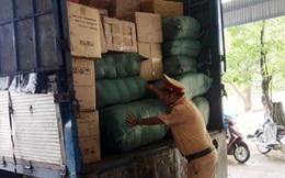 Quảng Nam: CSGT bắt giữ xe biển số Lào chở gần 300kg đạn chì
