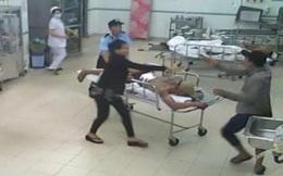 Hà Nội: Hơn 20 thanh niên mang hung khí khống chế bác sĩ, tấn công bệnh nhân