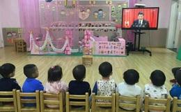 TQ: Trường mẫu giáo tổ chức cho học sinh nghe diễn văn Đại hội đảng của ông Tập Cận Bình