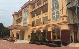 Chủ tịch xã ở Hà Nội nhận có thiếu sót khi phê bình cả nhà trong lý lịch tân sinh viên