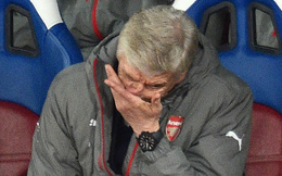 Sau thất bại cay đắng, Wenger run rẩy khi nhắc đến top 4