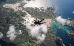 Rơi từ độ cao gần 4.000 mét, nam du khách cùng hướng dẫn viên nhảy dù đôi chết thảm