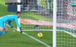 Từ bàn thắng bị từ chối của Messi: Barca là nạn nhân của những sai lầm