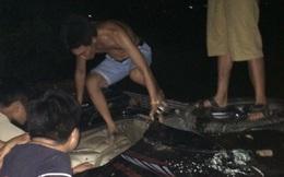 Vụ đập phá, đốt xe ô tô Fortuner vì nghi bắt cóc trẻ em: Hai người đàn ông đi tìm mua gỗ