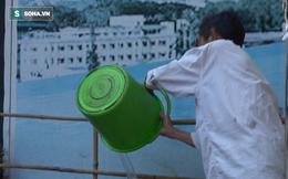 TP. HCM: Người đàn ông tiểu bậy bị phạt xách nước rửa đường ngay tại chỗ