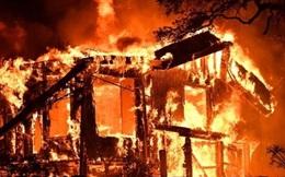Lửa cháy ngút trời khắp California, hàng chục người thiệt mạng