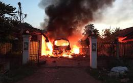Video: Xe khách cháy dữ dội ở Lào, 4 người quê Nghệ An thương vong
