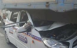 7 ô tô đâm nhau, cầu Thanh Trì ách tắc nghiêm trọng