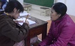 """Cô giáo già từng bị cho là điên, 42 năm thầm lặng """"chở chữ"""" cho con em vùng vạn đò xứ Huế"""