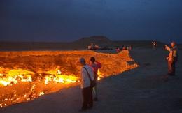 """""""Cánh cổng địa ngục"""" do chính bàn tay con người tạo ra ở sa mạc Karakum"""