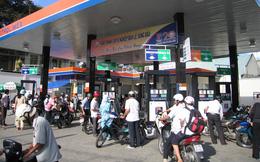 Ngày mai, giá xăng trong nước tiếp tục giảm?