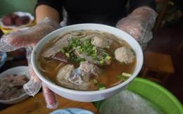 Bún bò Huế giá siêu rẻ, 1.000 đồng/bát giữa quận trung tâm Hà Nội