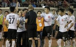 """Cú ngã của đội bóng """"sạch"""" nhất V-League và câu hỏi lớn cho bóng đá Việt Nam"""