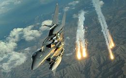 """F-15 tranh tước hiệu """"ông vua bầu trời"""", Su-35 tối tân của Nga sẽ ở đâu?"""