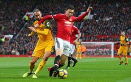 """Man United: Xoạc bóng vừa thô bạo vừa tinh tế, """"kẻ bỏ đi"""" bước vào con đường của Vidic"""