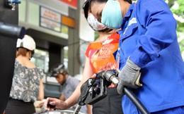 Thuế bảo vệ môi trường với xăng sẽ lên 8.000 đồng một lít?