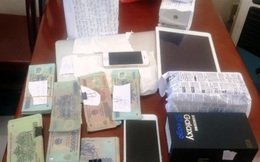 Trộm 68 cái điện thoại, dẫn bạn gái đi du lịch, về quê