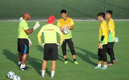 """Thủ môn Việt nói gì khi được nhận xét """"đủ khả năng sang châu Âu chơi bóng""""?"""