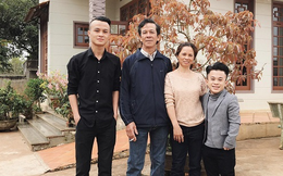 Góc khuất của Trần Xuân Tiến: Nhà tôi bố cao 1m72, mẹ 1m60, em trai 1m75, chỉ tôi 1m26!