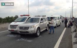 TP.HCM: Tránh chó chạy rông trên cao tốc Trung Lương, xe cứu thương và 2 ô tô gặp nạn