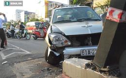 Ô tô 7 chỗ tông hàng loạt xe máy, 3 người bị thương, giao thông tê liệt