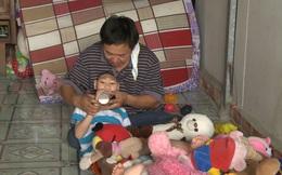 Bố đơn thân nuôi 2 con bị bệnh teo não đi thi hát khiến Trấn Thành, Cẩm Ly ngưỡng mộ và bật khóc
