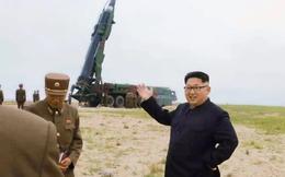 Vừa bị tăng cấm vận, vì sao Triều Tiên không ngại ngần bắn tên lửa qua không phận Nhật?