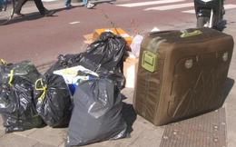 Phát hiện chiếc vali đáng ngờ bị vứt trên đường, người đàn ông mở ra và hốt hoảng khi nhìn thấy thứ bên trong