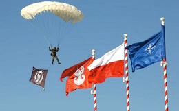 NATO lo lắng sườn phía Đông có thể thất thủ trước Nga