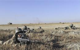 Lực lượng biên phòng Trung Quốc tập trận sau khi tạm đóng cây cầu huyết mạch Trung-Triều