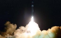 Giới chức Mỹ nghi tên lửa Triều Tiên vỡ tung trên không