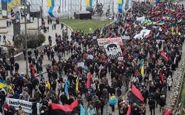 Cựu Tổng thống Gruzia dẫn đầu biểu tình đòi phế truất Tổng thống Ukraine